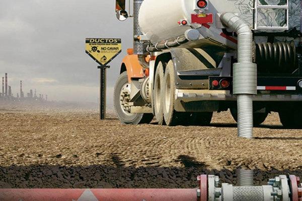 SCT quiere evitar compra de combustible robado en Mexico