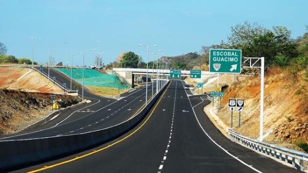 Tres consorcios presentan ofertas para rehabilitación vial en Panama