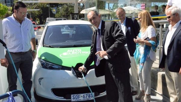 Uruguay apuesta por vehiculos electricos