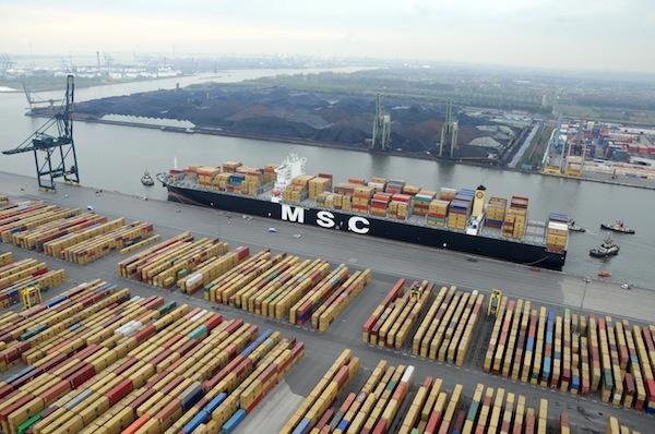 contenedores desde Asia hasta el Mediterráneo