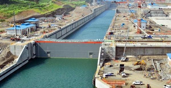Canal de Panama obtiene calificacion positiva