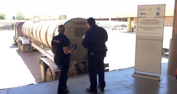 SAT Y CBP colaboran en la aduana de Sonora (Mexico)