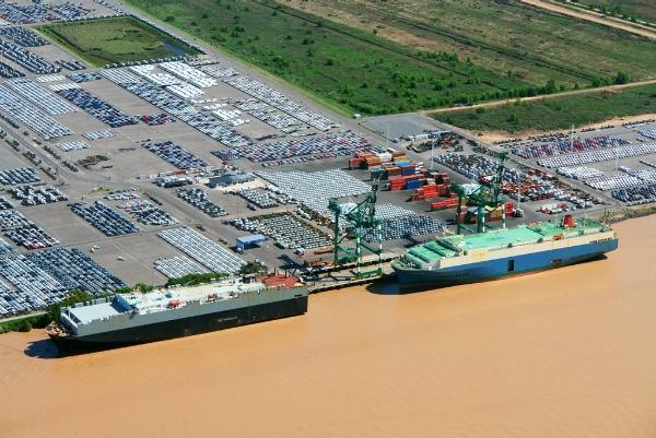 Argentina presentará propuestas para sus puertos