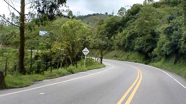 Colombia aumenta medios para construir carreteras