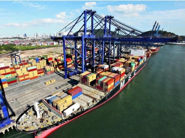 Movimiento de carga crece en puertos de Panama