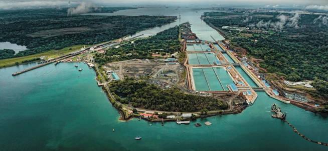 El Canal de Panamá movió un 22% más de tonelaje durante el año fiscal 2017