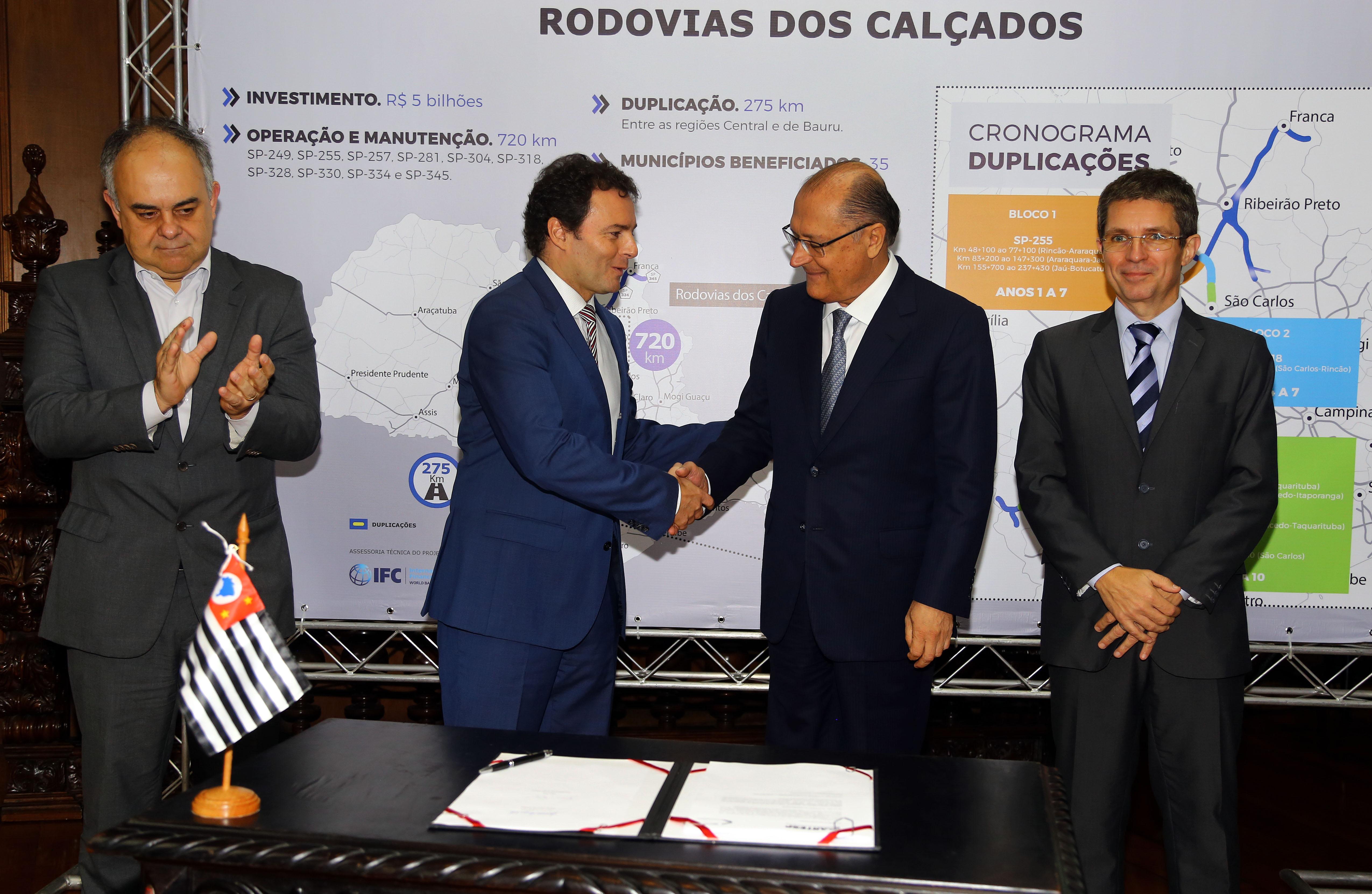 Filial de Abertis en Brasil firma el acuerdo de concesión de una autopista de 720 kilómetros