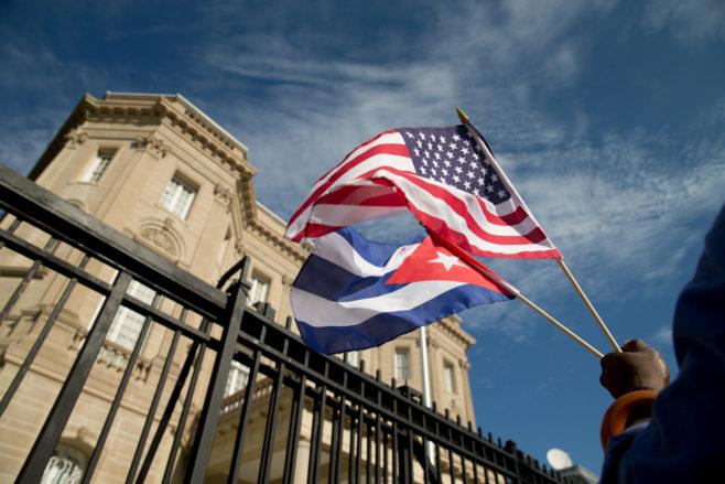 Entran en vigor las restricciones de Estados Unidos a los viajes y negocios con Cuba