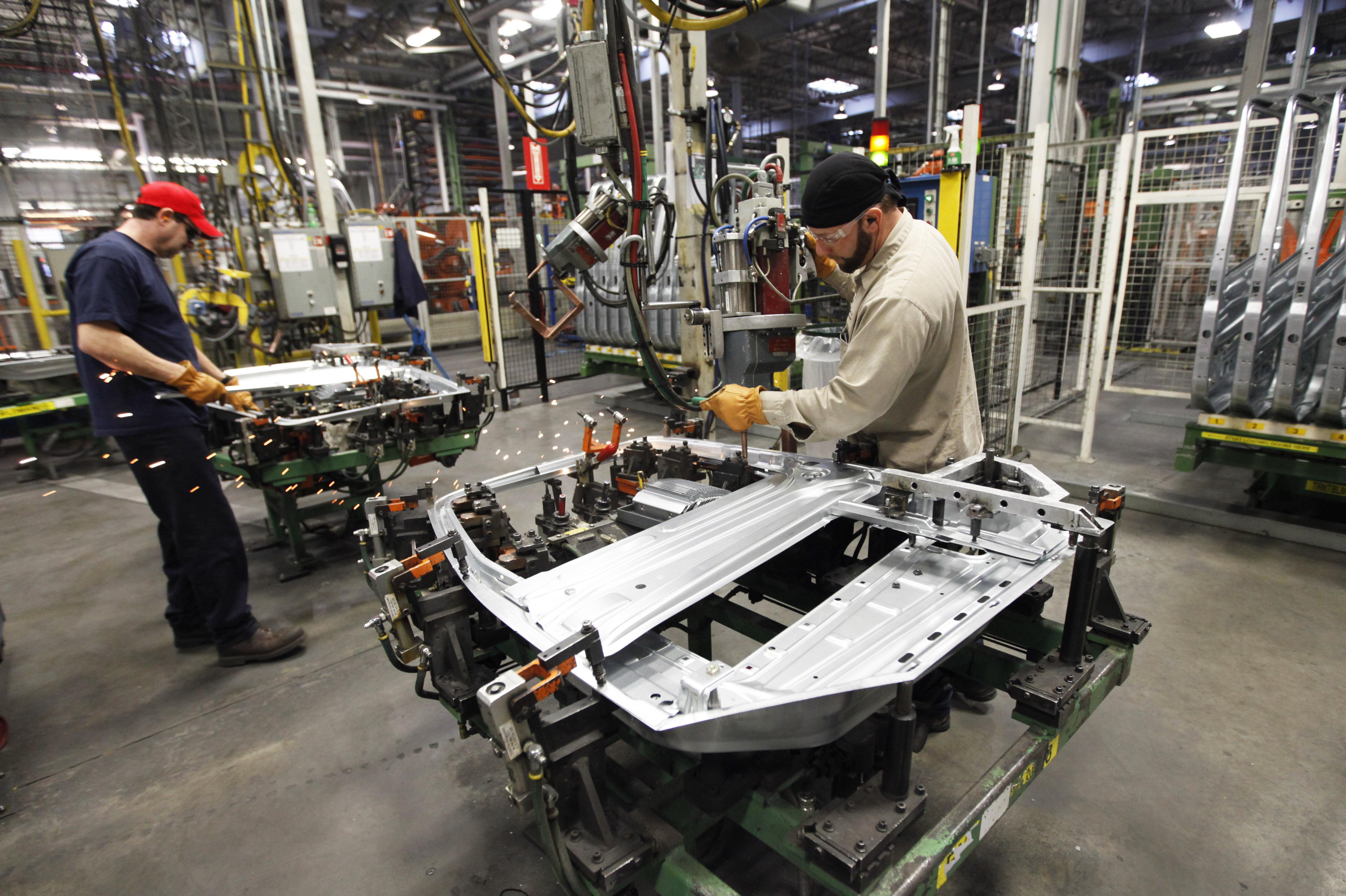 La producción industrial de México se contrae en septiembre, golpeada por los sismos