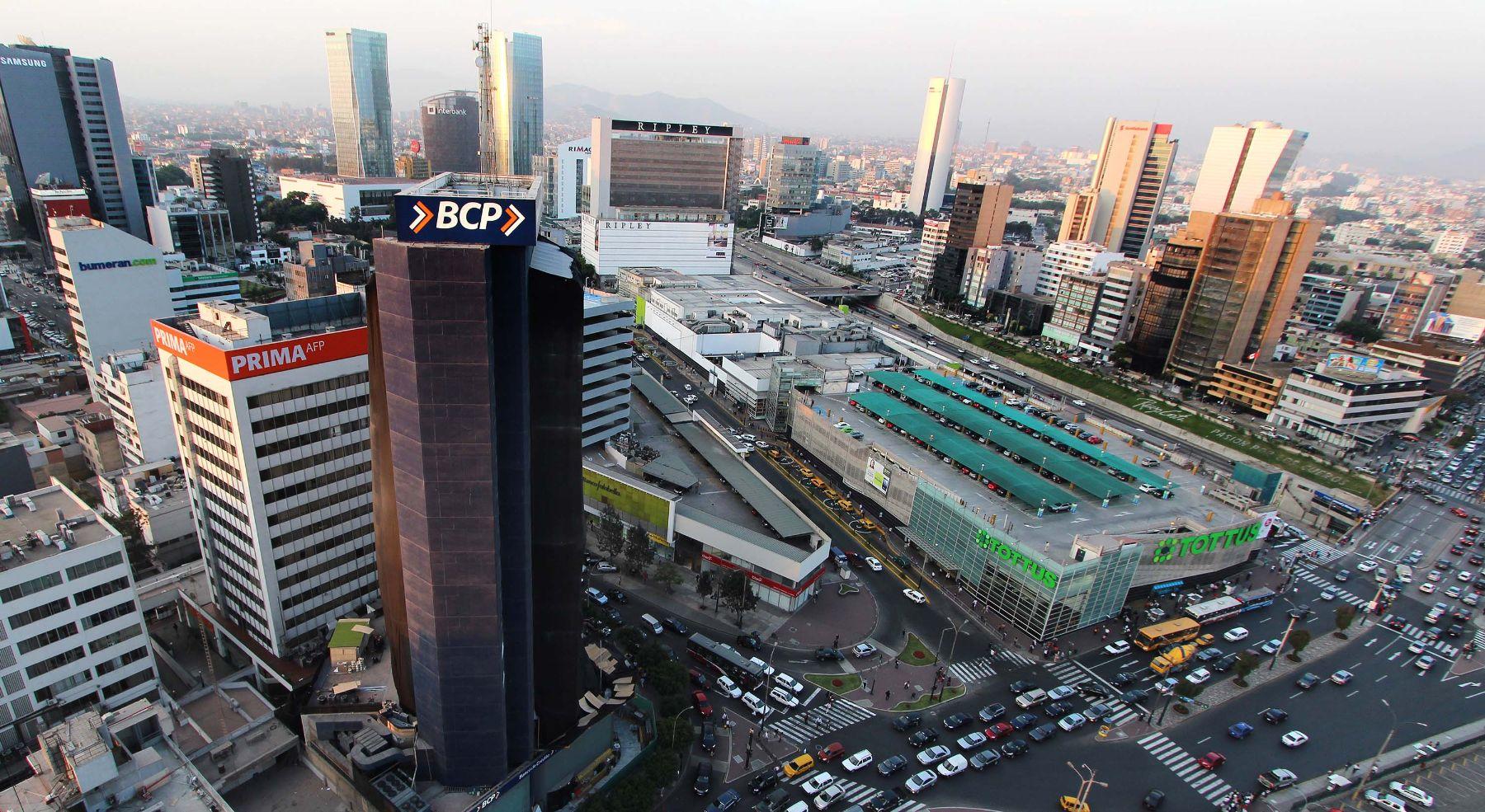 Gobierno de Perú insiste en que se está retomando el camino del crecimiento económico