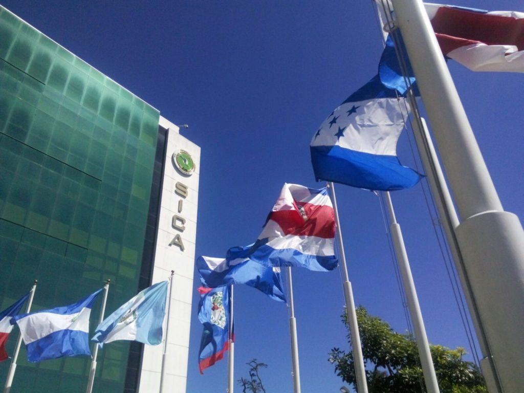 Presidentes del Sistema de la Integración Centroamericana aprueban política de movilidad y logística en la región