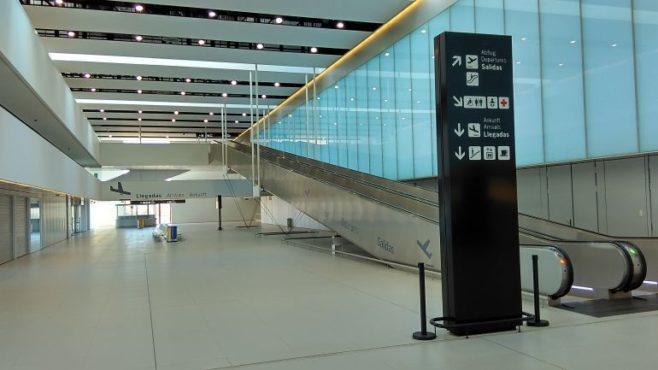 aeropuerto internacional de Corvera