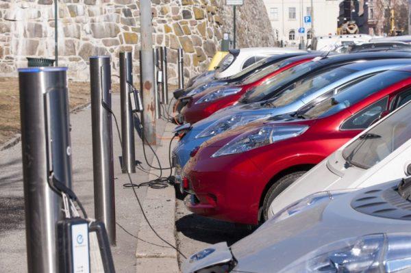 Noruega primera en coches eléctricos