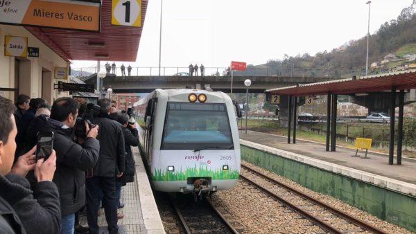 Tren con Gas Natural Licuado