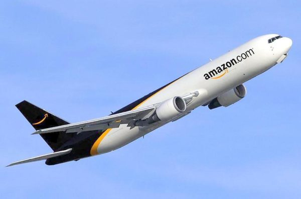 Avión Amazon