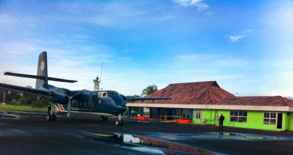 Costa Rica invertirá 2,6 millones de dólares para habilitar aeropuerto en el Caribe