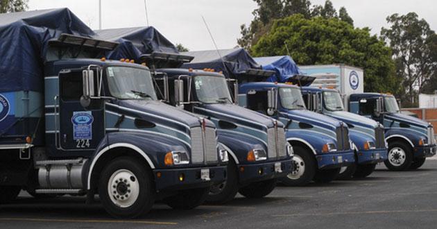 Endurecen reglas para choferes de transporte de carga en México