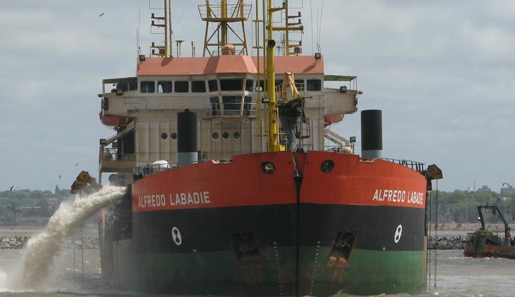 Avanza proceso de dragado del Río Uruguay, que permitirá más actividad en puertos de Fray Bentos y Concepción