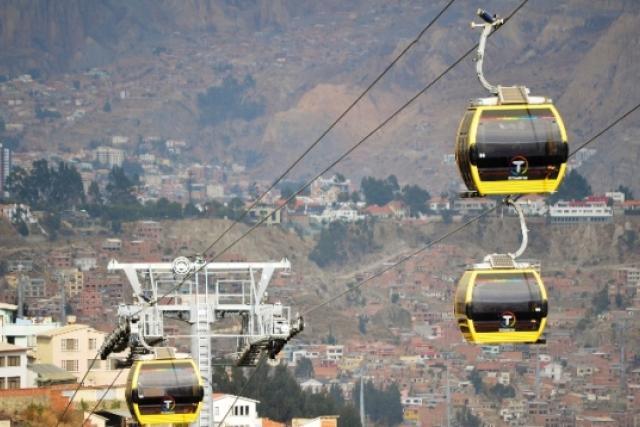 Bolivia inauguró su línea de teleférico que mejorará conectividad de dos ciudades