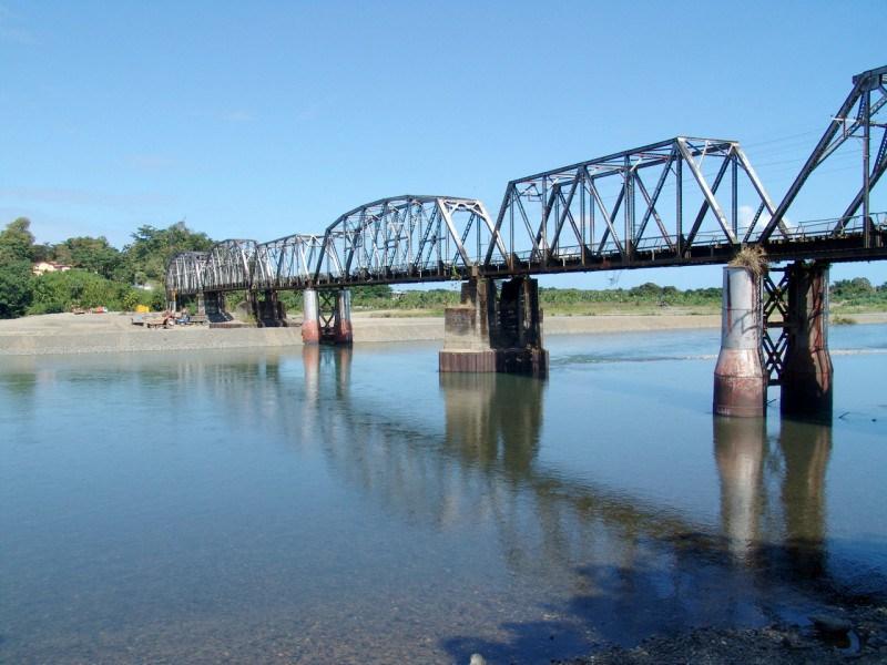 Costa Rica y Panamá construirán puente binacional