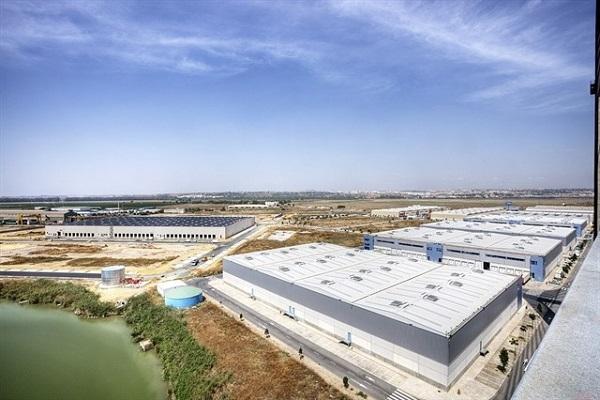 Zona logística del puerto de Sevilla