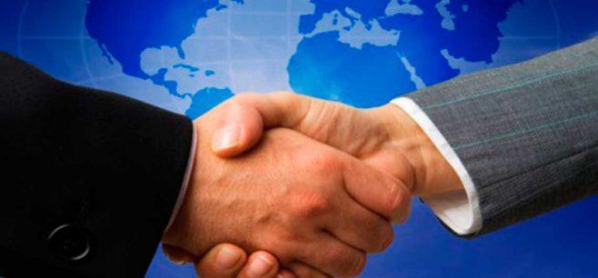 Dubái analiza oportunidades económicas en América Latina, con énfasis en transporte y logística