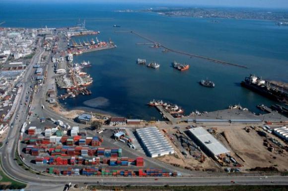 Expertos de Uruguay debaten sobre el desafío logístico y necesidad de mejoras en transporte y conectividad vial-fluvial