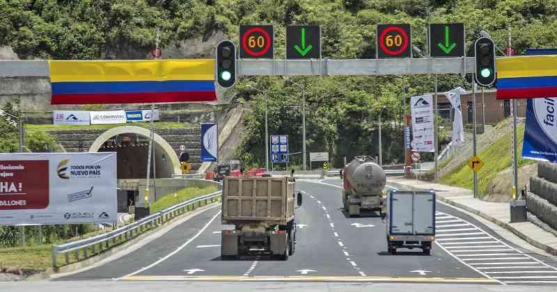 Colombia avanza con la revolución de la infraestructura con 9 proyectos viales, 7 aeropuertos y el corredor férreo central
