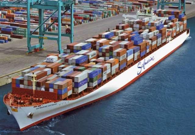 Ecuador impondrá un alza de aranceles a las importaciones por crisis económica