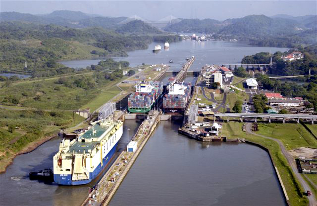 Gobierno de Panamá muestra a empresarios obras de nuevo puerto en el Pacífico