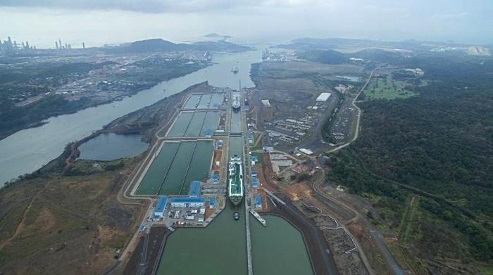Transitan tres buques de GNL en un día por el Canal de Panamá, un nuevo hito