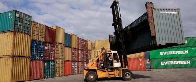 Brasil dejó de exportar 120.000 toneladas de pollo y cerdo por huelga de transportadores