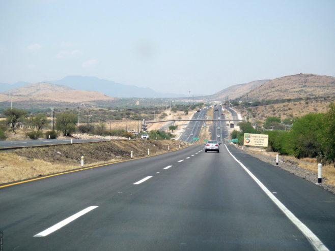 México realiza grandes obras en carreteras para impulsar mejoras en el transporte y la competitividad