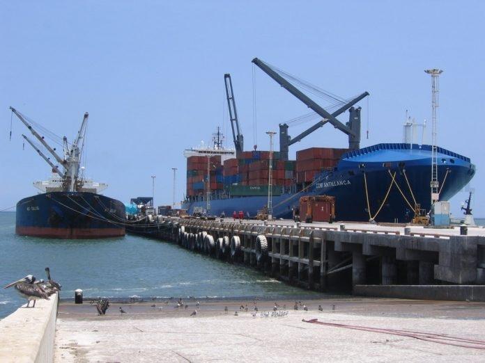 Desembarcan en el Puerto de Ilo (Perú) las primeras 9 mil toneladas de carga para Bolivia