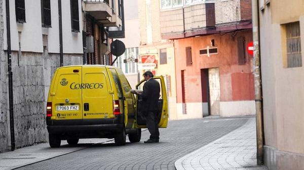 Correos estudiará su servicio de reparto de última milla en Madrid