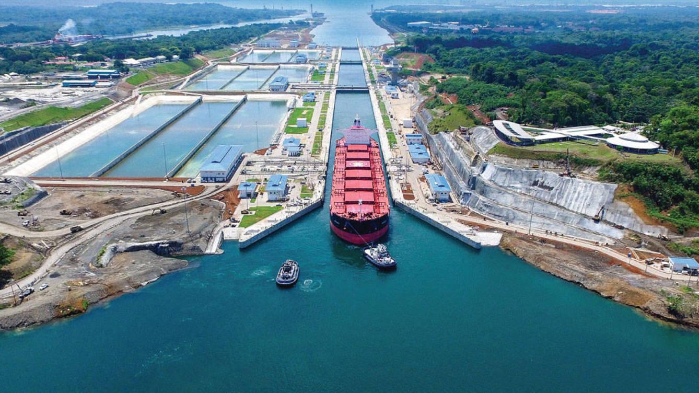 El Canal de Panamá logra nuevo récord de tonelaje en mayo