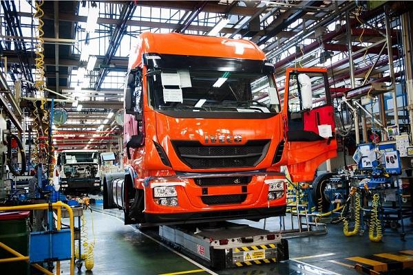 España refuerza su posición en sector europeo de vehículos industriales