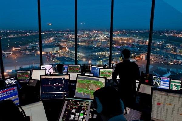 Huelga de controladores aéreos barceloneses contribuye al caos en espacio aéreo europeo