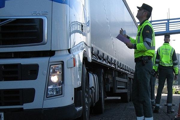 Ministerio-de-Fomento-intensificará-las-vigilancias-entre-los-camioneros-para-evitar-dumping