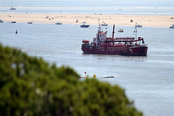 Puerto de Huelva abre convocatoria para dragar sus aguas interiores
