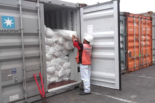 Transportistas portuarios barceloneses reclaman una alternativa para la supervisión de contenedores vacíos
