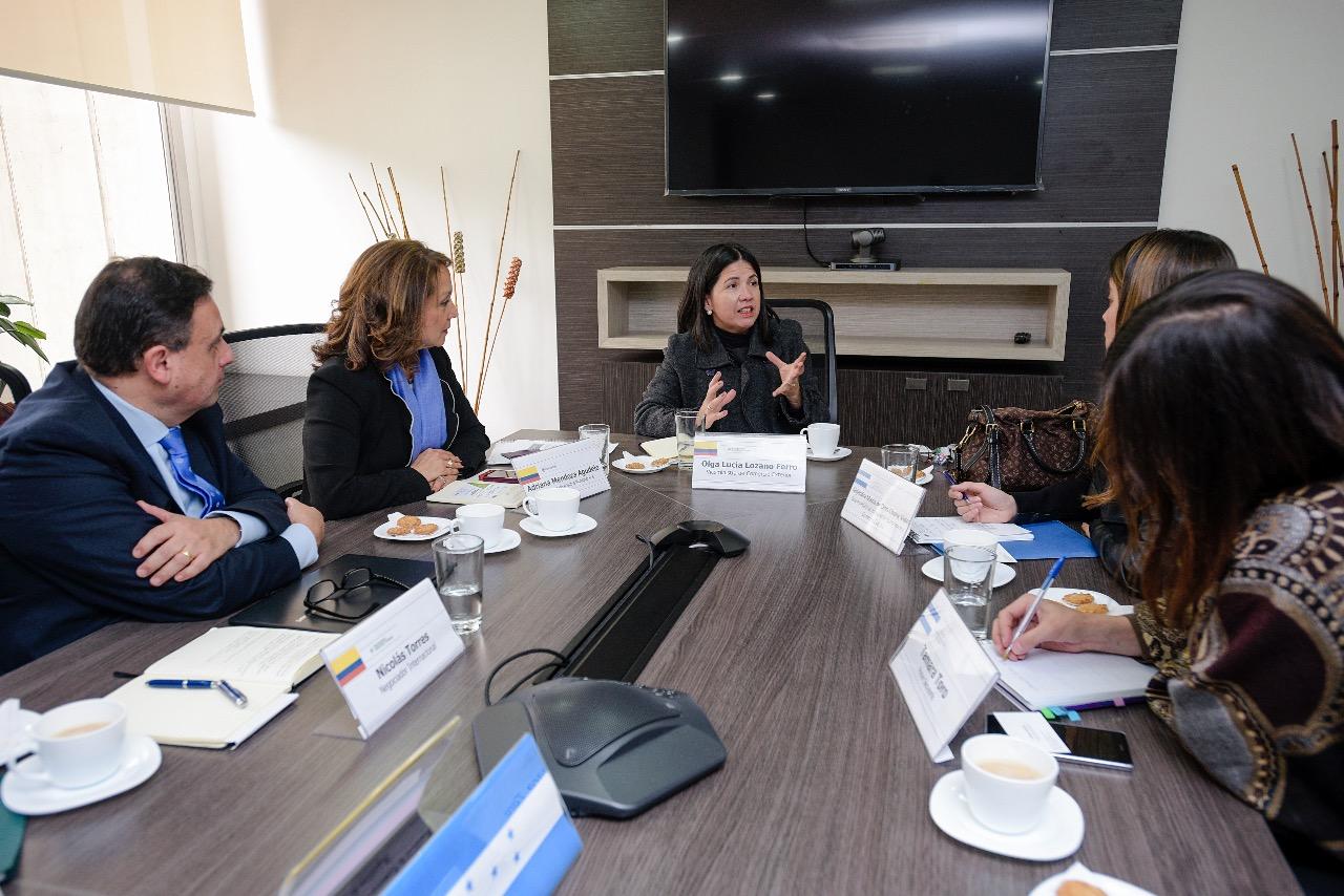 Colombia y Honduras analizan posibilidades en la Alianza del Pacífico