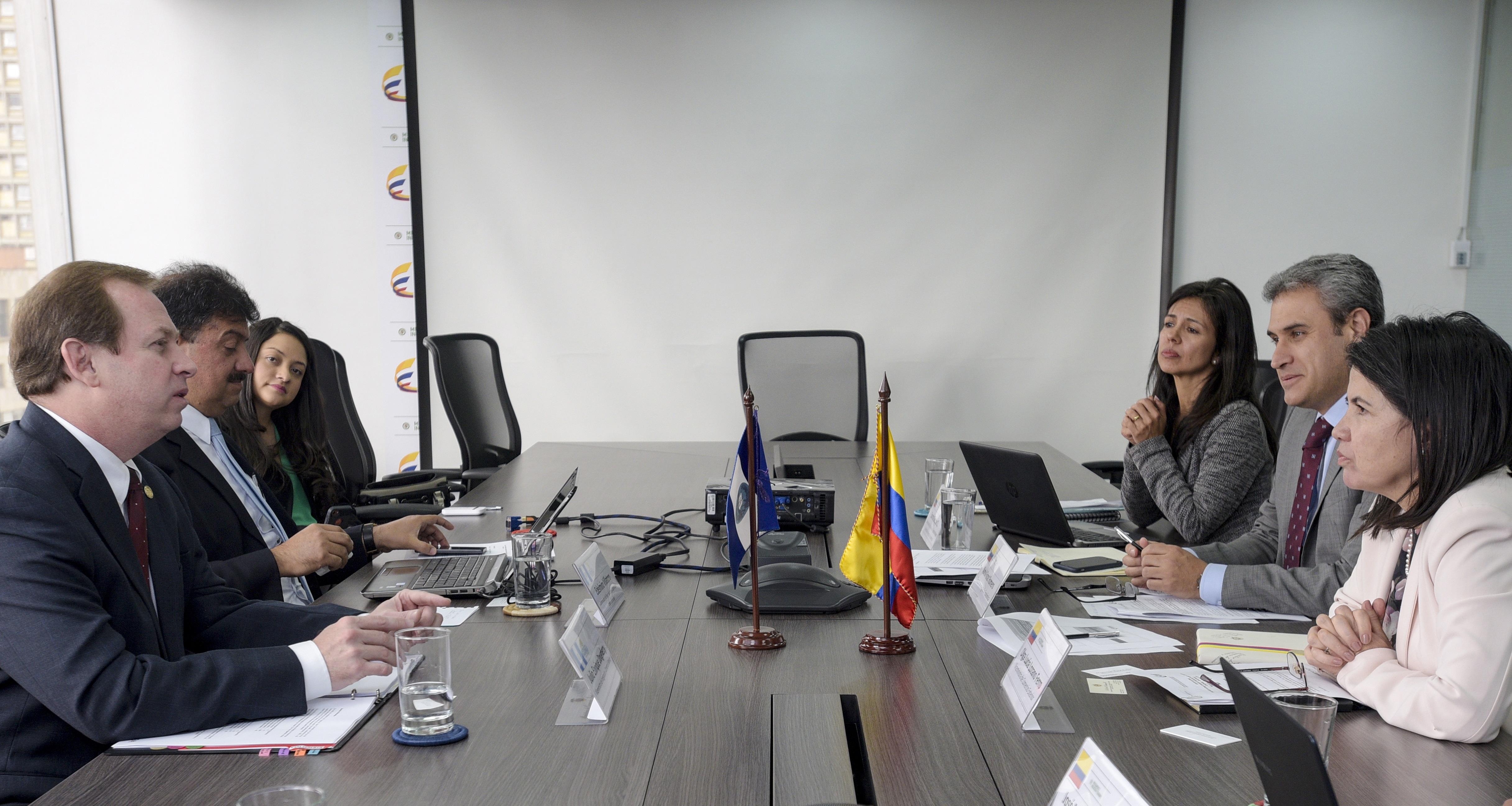 Colombia avanza en la profundización del TLC con Guatemala