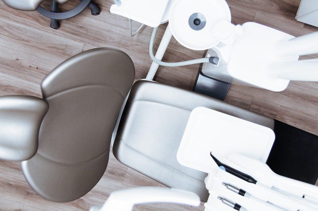 logistica transporte implantes dentales