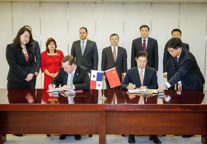 Panamá y China lanzan la negociación del Tratado de Libre Comercio