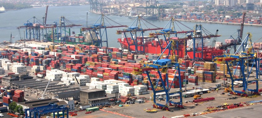 El mayor puerto de Brasil suma pérdidas por más de 410 millones dólares