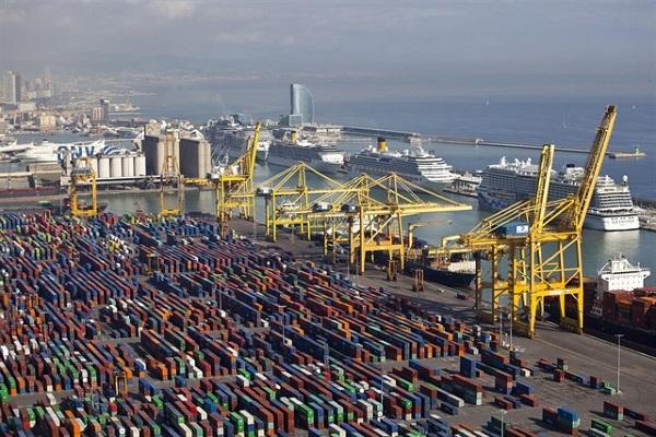 Puerto de Barcelona bate récord en movimiento de toneladas en primer semestre