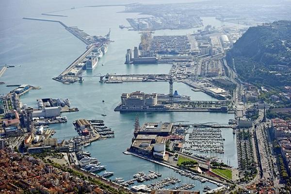 Puerto de Barcelona regula nuevo sistema para organizar el tráfico marítimo portuario