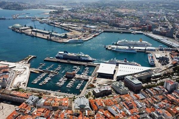 Puerto de La Coruña vuelve a batir récord en tráfico hasta junio |
