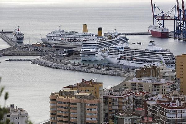 Puerto de Málaga aumenta su actividad en atraque de megayates y cruceros